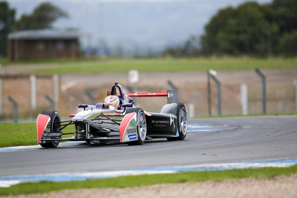 FORMULE-E-2015-TEST-du-mardi-25-Aout-a-DONINGTON-JEAN-ERIC-VERGNE-Team-DS-VIRGIN-