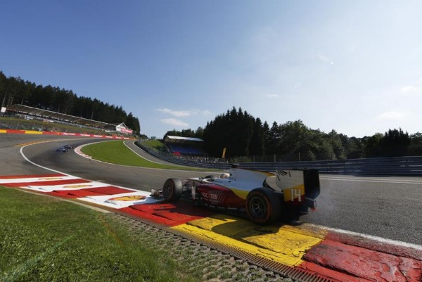 GP2-2015-SPA-ARTHUR-PIC-Team-CAMPOS-second-de-la-1ére-course