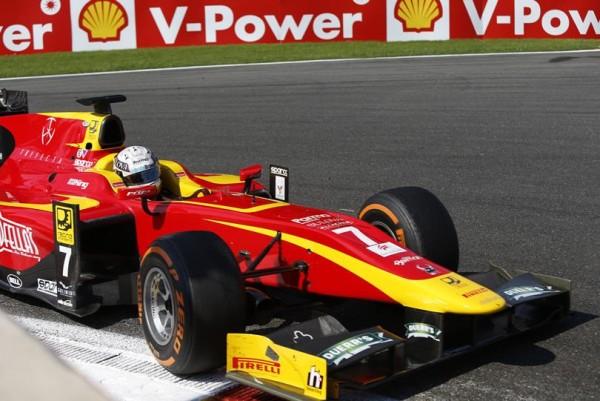 GP2-2015-SPA-Dimanche-23-aout-JORDAN-KING-second-de-la-deuxuème-course-derrirere-son-équipier-Alex-ROSSI