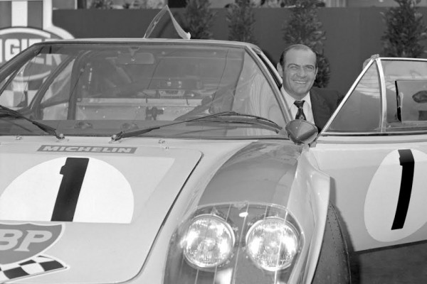 GUY-LIGIER-08-Octobre-1972-Guy-Ligier-Salon-Auto-Paris-Photo-Michel-Picard