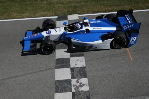 INDYCAR-2015-MID-OHIO-a-LEXINGTON-TRISTAN-VAUTIER