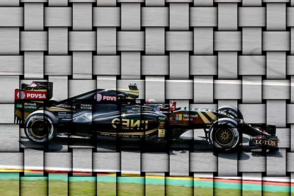 LOTUS-F1-La-belle-faïence-LOTUS-est-elle-en-train-de-se-lézarder-©-Manfred-GIET.