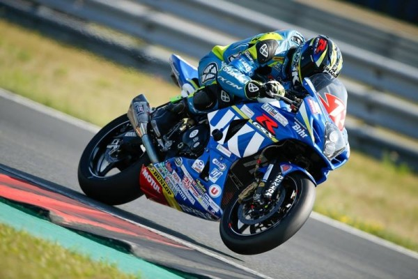 MOTO-2015-ENDURANVCE-OSCHERSLEBEN-Le-JUNIOR-Team-SUZUKI
