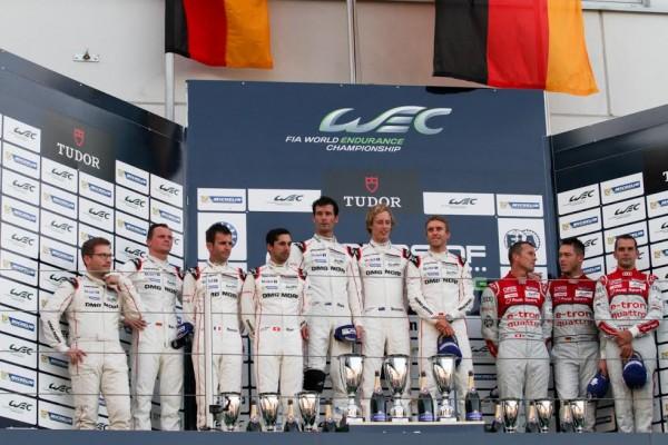 WEC 2015 NURBRGRING Le podium avec les pilotes de la PORSCHE N°17 victorieux Photo Max MALKA.