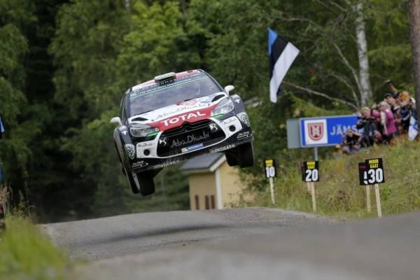 WRC-2015-FINLANDE-DS3-de-Kris-MEEKE.