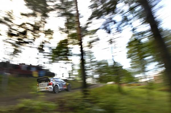 Andreas Mikkelsen (NOR), Ola Fløene (NOR) Volkswagen Polo R WRC (2015) WRC Rally Finland 2015