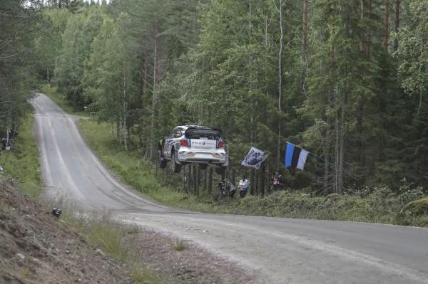WRC-2015-FINLANDE-POLO-VW-DE-SEB-OGIER-et-JULIEN-INGRASSIA