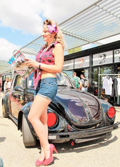 Alysson-et-la-presse-partenaire-du-Super-VW-FEST.-Photo-EmmanuelLEROUX.