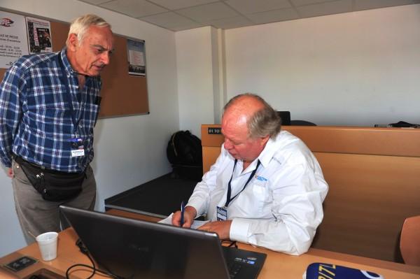 BOL D OR 2015 - Jean Louis GUILOU En visite à la salle de presse
