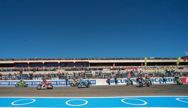 BOL-D-OR-2015-PAUL-RICARD-les-pilotes-au-depart-Photo-Antoine-CAMBLOR-