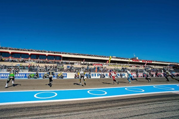 BOL-D-OR-2015-PAUL-RICARD-les-pilotes-au-depart-Photo-Antoine-CAMBLOR