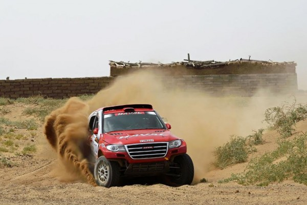 CHINA-SILK-ROAD-RALLY-2015 -HAVAL-de-HAN WEI - PAN HONGYU et leur HAVAL