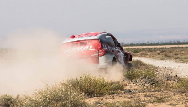 CHINA-SILK-ROAD-RALLY-2015-Team-HAVAL-Christian-LAVIEILLE