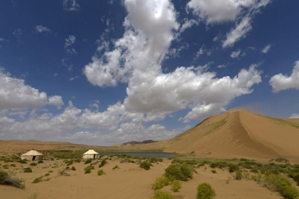 CHINA-SILK-ROAD-RALLY-2015-lES-PAYSAGES-sont-MAGNIFIQUES Photo Eric Vargiolu / DPPI