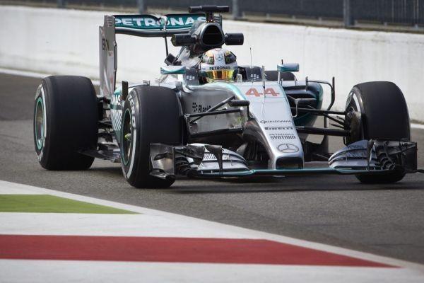 F1-2015-A-MONZA-ENCORE-ET-TOUJOURS-MERCEDES-HAMILTON-DEVANT-ROSBERG-aux-1ers-essais