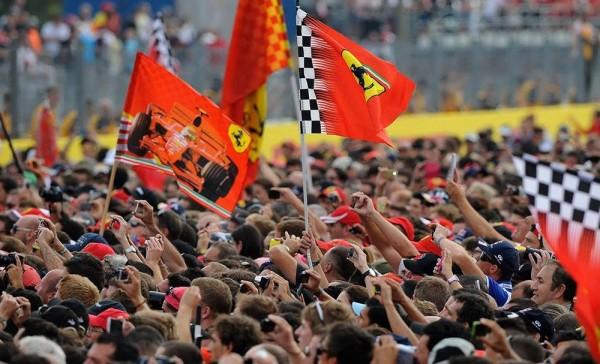 F1-2015-MONZA-FERRARI-ne-manque-jamais-de-TIFOSI