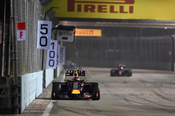 F1 2015 SINGAPOUR La RED BULL RENAULT de DANIIL KVYAT
