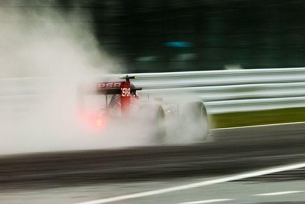 F1-2015-SUZUKA-CARLOS-SAUNZ-et-sa-TORO-ROSSO-RENAULT-les-plus-rapides-vendredi-25-Septembre-de-la-1ére-session-des-essais-libres