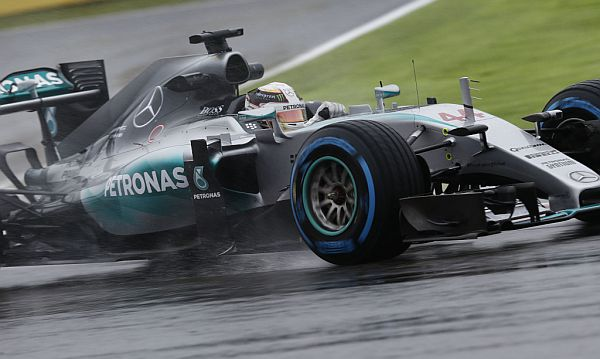 F1 2015 SUZUKA  -Lewis HAMILTON et sa MERCEDES ce  vendredi kors des essais libres