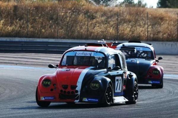 Funcup-Le-Castellet-2015-Quatrième-voiture-engagéed-par-le-Team-Zosh-aux-mains-de-Ludovic-Cochet-Photo-Daniel-Noly.