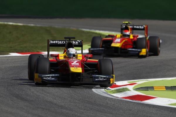 GP2-2015-MONZA-Le-podium-de-la-seconde-course-avec-ROSSI-1er-précéde-ici-son-équipier-Jordan-KING