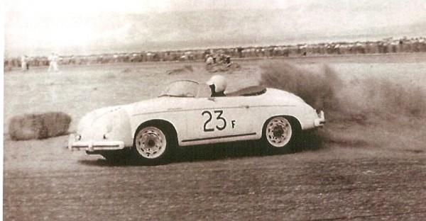 JAMES-DEAN-a-la-course-de-PALM-SPRING-en-1955-avec-sa-Porsche