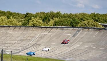 LES GRANDES HEURES AUTOMOBILES 2015 -  L anneau en Bleu Blanc Rouge - Peugeot 405 Diesel des records 1965 - BALSA BMW Special 1949 - Ferrari 250 LM 1964