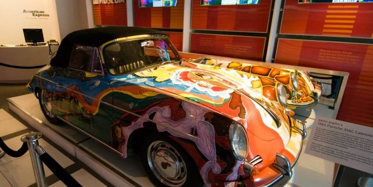 La PORSCHE de la chanteuse Janis JOPLIN au musee du ROCK a CLEVELAND.