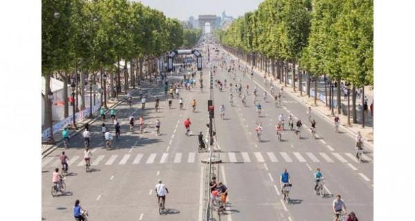 PARIS SANS VOITURES LE DIMANCHE 27 SEPTEMBRE 2015.