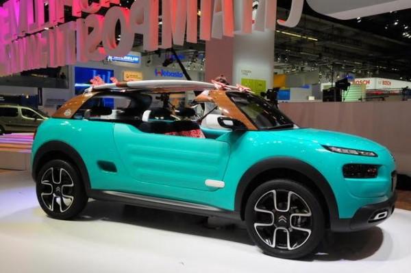 Salon-de-Francfort-2015-La-Citroën-M-Cactus-a-enlevé-le-haut-Photo-Patrick-Martinoli.