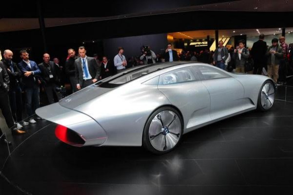 Salon-de-Francfort-2015-La-Mercedes-IAA-Concept-en-version-longue-queue-Photo-Patrick-Martinoli.