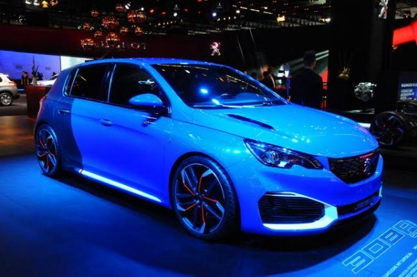 Salon-de-Francfort-2015-Peugeot-308-Hybride-Photo-Patrick-Martinoli.j