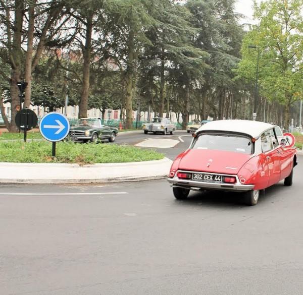 Traversée-de-Nantes-Retour-de-50-ans-en-arrière-extraordinaire...Photo-Emmanuel-LEROUX