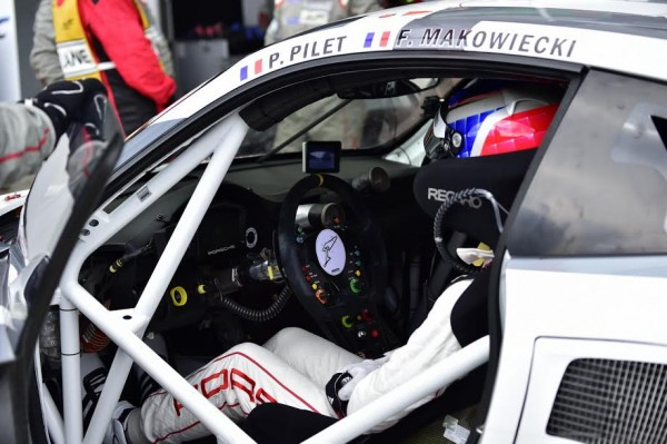 WEC-2015-NURBURGRING-Inrerieur-de-la-PORSCHE-911-RSR-du-Team-MANTHEY-Photo-Max-MALKA