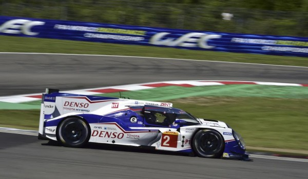 WEC-2015-NURBURGRING-TOYOTA-TS-040-N°-2-Photo-Max-MALKA