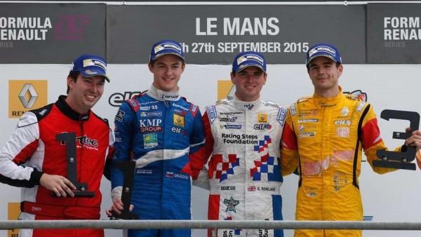 WSR-2015-LE-MANS-Le-podium-de-la-1ére-course-avec-Oliver-ROWLAND-le-vainqueur
