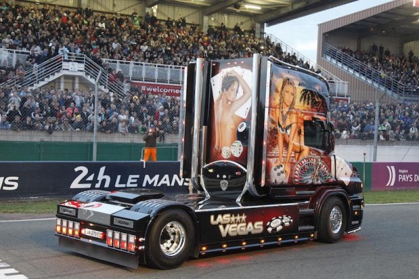 24-HEURES DU MANS CAMION-2015- La fabuleuse parade Photo THIERRY-COULIBALY-