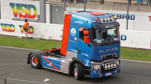 24-HEURES-DU-MANS-CAMION-2015-la-fabuleuse-parade-Photo-THIERRY-COULIBALY-