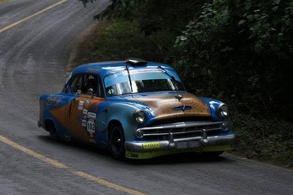 CARRERA-PANAMERICANA-2015-La-DODGE-des-CERVANTES-avant-leur-crash-Photo-RENE-CASTILLEJOS