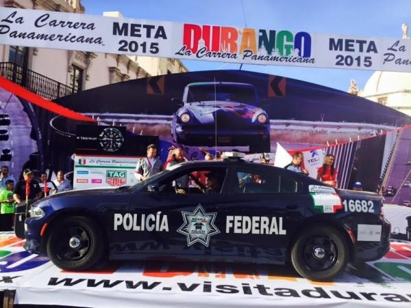 CARRERA-PANAMERICANA-2015-lA-POLICE-FEDEALE-MEXICAINE-FAIT-PARTIE-DE-L-ORGANISATION-Photo-RENE-CASTILLEJOS