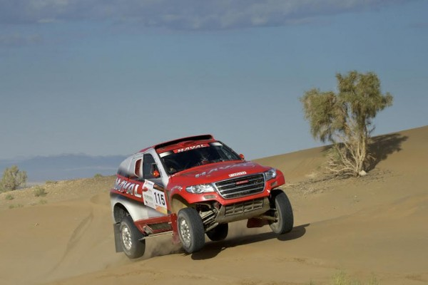 CHINA-SOLK-ROAD-RALLY-2015-CHRISTIAN-LAVIEILLE-et-son-HAVAL.