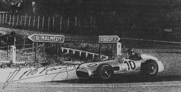 CIRCUIT-DE-FRANCORCHAMPS-FANGIO-victorieux-au-volant-de-la-MERCEDES en 1955