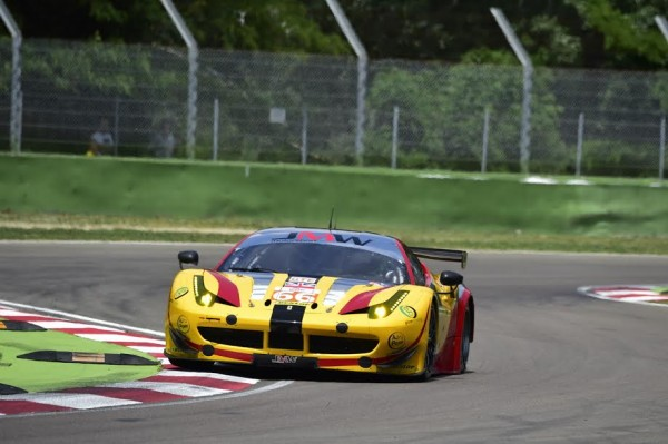 ELMS-2015-IMOLA-17-MAI-FERRARI-Team-JMW-N°66-Photo-Max-MALKA