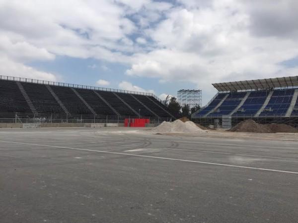 F1-2015-Circuit-des-freres-RODRIGUEZ-a-MEXICO-Photo-autonewsinfo.