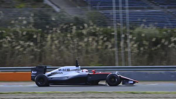 F1-2015-JEREZ-Mardi-2-Fevrier-Jenson-BUTTON-MCLAREN-HONDA-Photo-Max-MALKA.