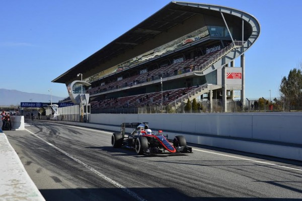 F1 2015 MONTMELO - Test Samedi 28 fevrier - FORMULA ONE TESTS DAYS - MCLAREN HONDA avec KEVIN MAGNUSSEN remplacant d ALONSO - Photo MAX MALKA.