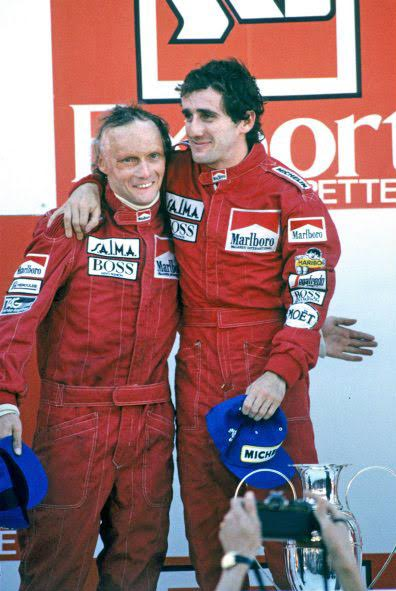 F1-ESTORIL-1984-21-Octobre-ALAIN-PROST-bien-que-victorieux-perd-le-Championnat-pour-un-demi-point-face-a-son-équipier-Niki-LAUDA-second-de-ce-GP-du-PORTUGAL-Photo-Bernard-BAKALIAN.