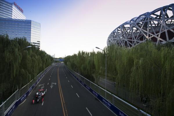 FORMULA-E-2015-PEKIN-La-piste-autour-du-stade-Olympique