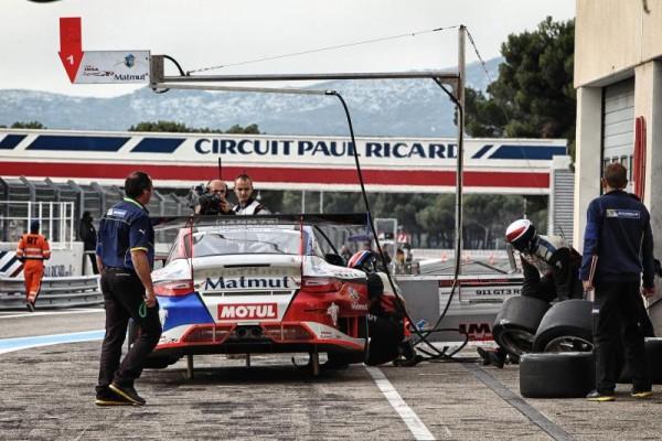 GT-TOUR-2015-PAUL-RICARD-25-ictobre-Arret-au-stand-de-la-PORSCHE-du-Team-IMSA-PERFORMANCE