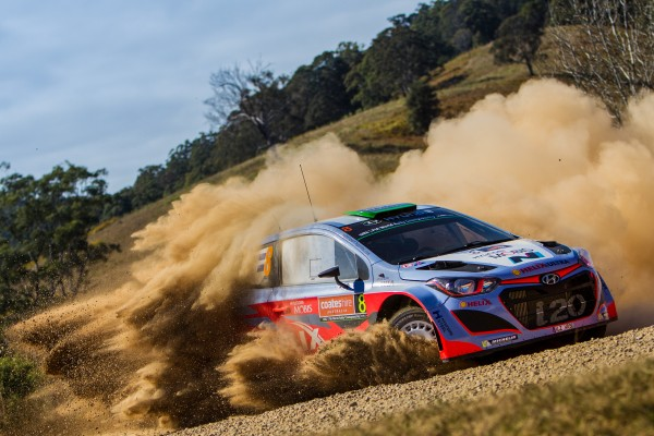 Hyundai-i20-WRC-20. DE HAYDEN PADDONj